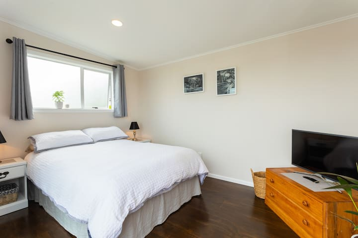 Helensville Hideaway• Private Unit• Wifi + Netflix