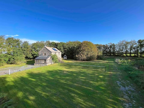 Chough Cottage: peace in a gorgeous, rural setting