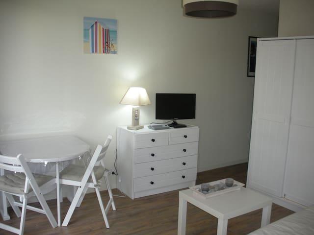 Studio à 100 m de la plage. - Saint-Georges-de-Didonne - Apartment