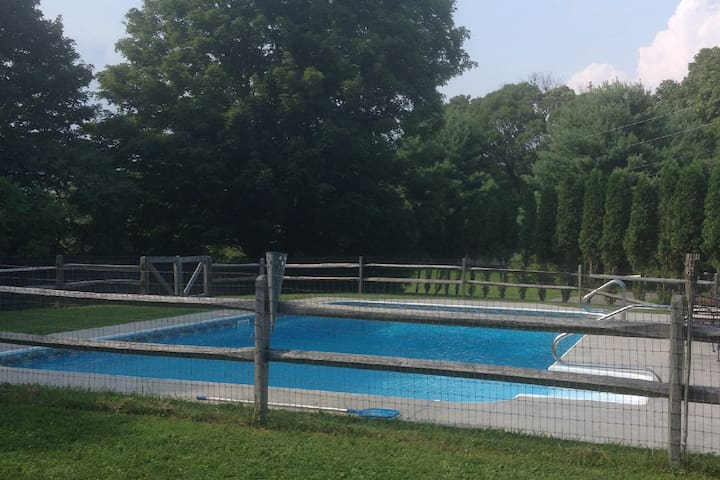 Party, Pool, Pets & Horse Friendly - Germantown - Hus