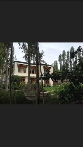 Zal guest house