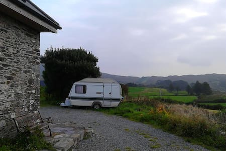 Snug caravan, sea and hill views  - Schull - 露营车/房车