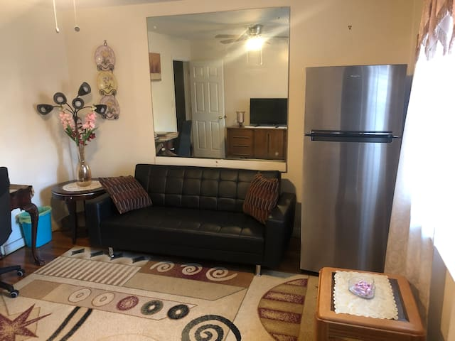 Beautiful Private 1 Bedroom in New Hyde Park