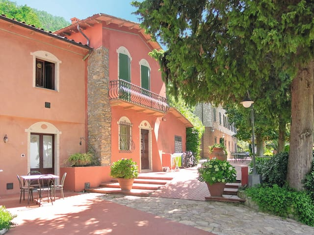 Apartment Borgo degli Aranci for 4 persons