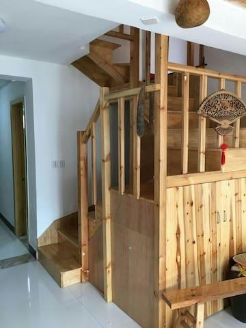 安吉续目loft结构  适合家庭旅游或朋友聚会 - Huzhou - Pis