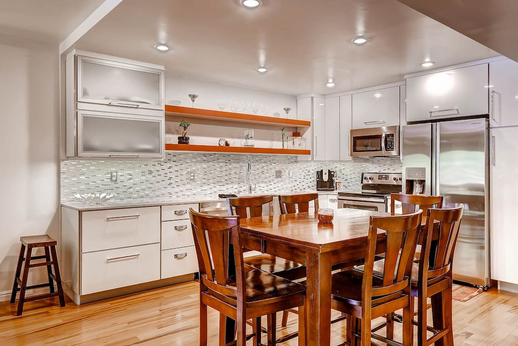 Crate and Barrel dishes, Cuisinart cookware - this is a cook's kitchen!