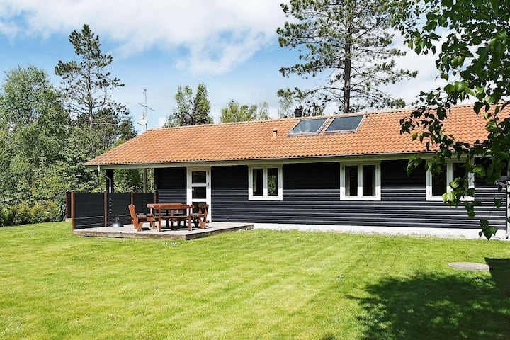 Enchanting Holiday Home in Hadsund with Whirlpool
