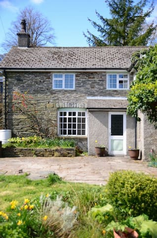 Country cottage in rural setting. - Rhayader - House