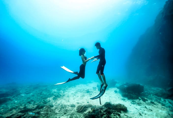 Freediving In EL NIDO