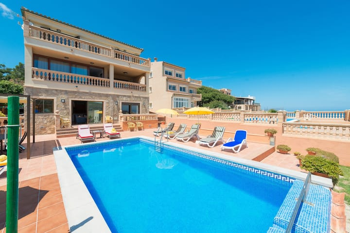Villa CAMOMILA for 12 people in Cala Mesquida