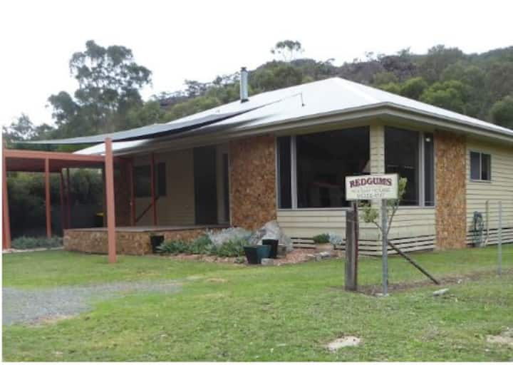 Redgums Holiday House. Halls Gap Home with a View