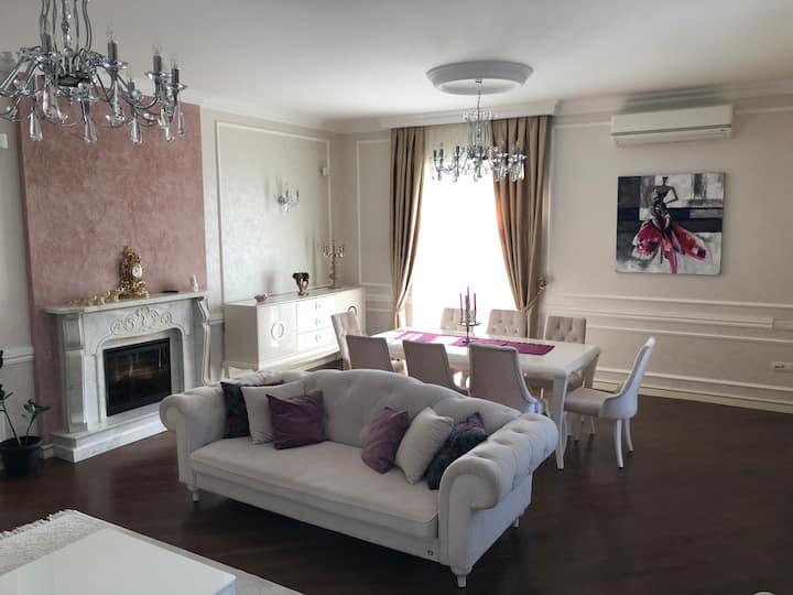 Premium apartment at Huseyn Javid avenue
