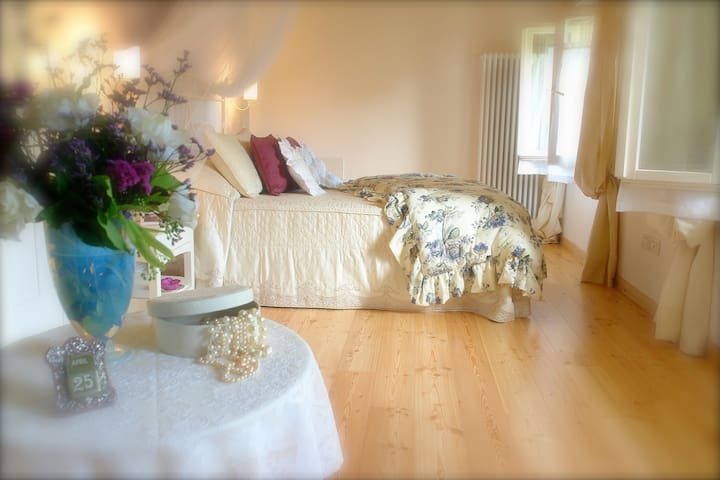 Your romantic gateway near Venice - Roncade - Bed & Breakfast