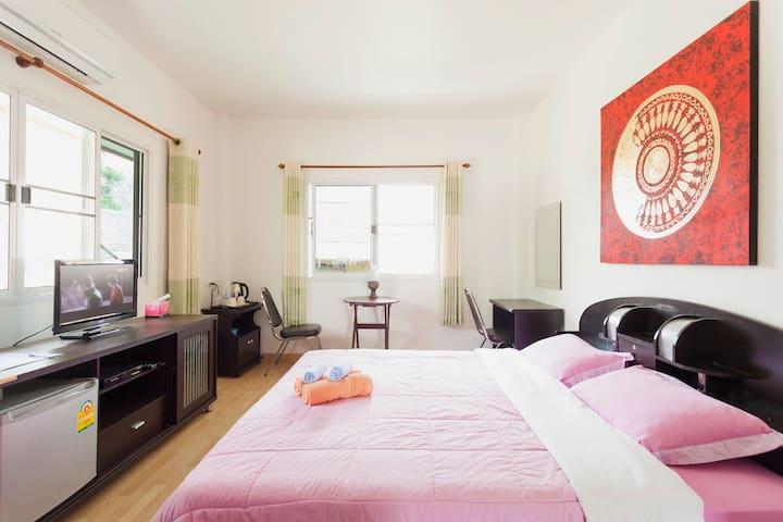 Superior kamer in Hoofdgebouw - Doi Saket - Bed & Breakfast