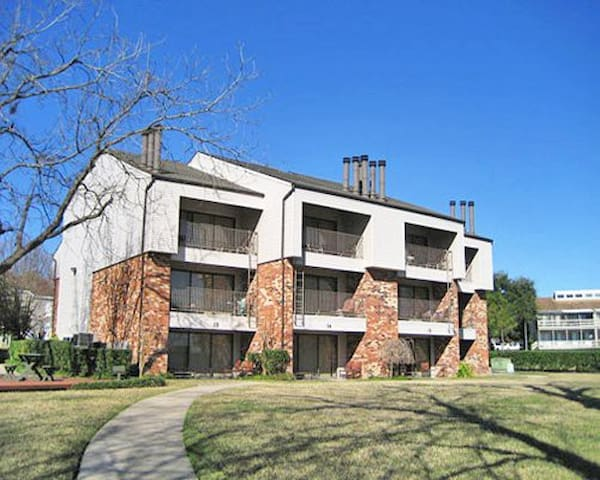 2 bdrm loft Lake Conroe Homeowners - Montgomery - Apartment