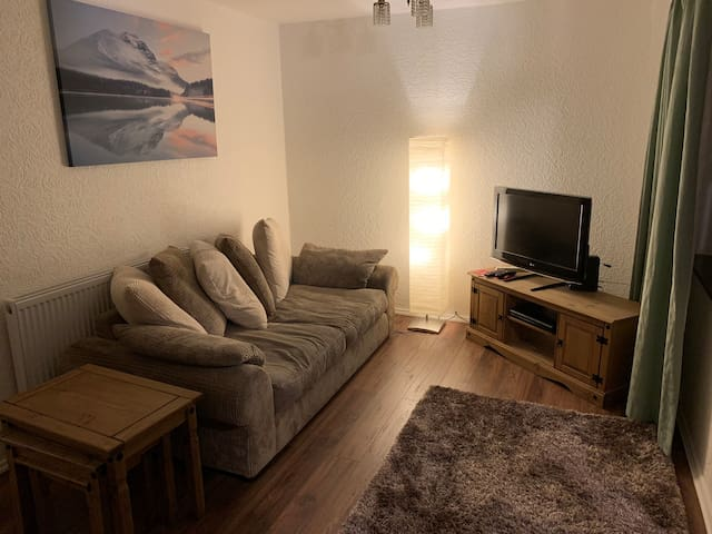 3 bed house close to city centre, QE and Bham uni