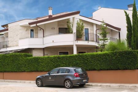 Apulia Relax - MARE - Matrimoniale - Turi - ที่พักพร้อมอาหารเช้า