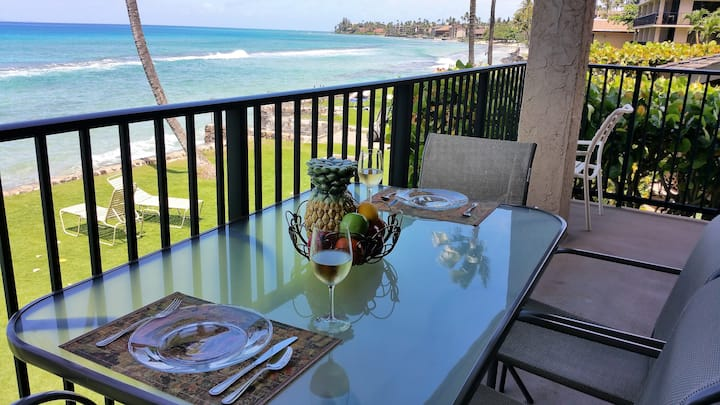 POPULAR RESORT & LOCATION, OCEANFRONT CONDO!