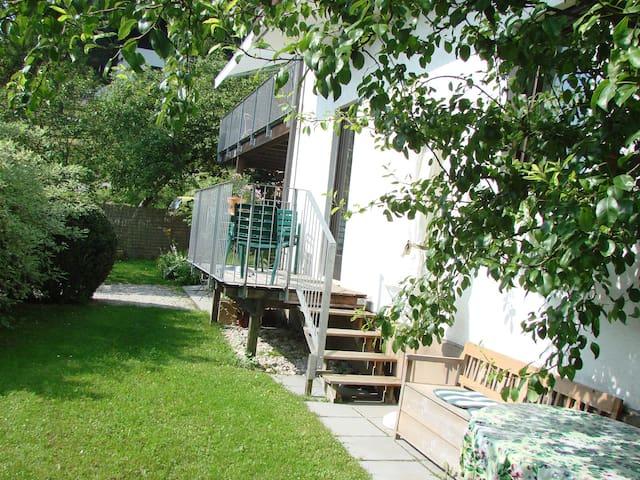 Wohnung mit Balkon und Garten  - Traunkirchen