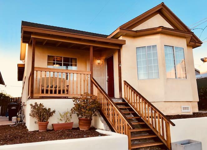The Dewey House - Minutes to Downtown & Coronado!