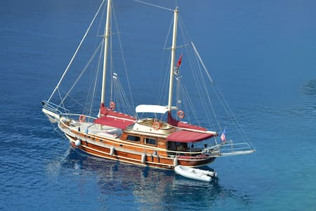 Private captain+cook Charter Gulete - Söğütköy - เรือ