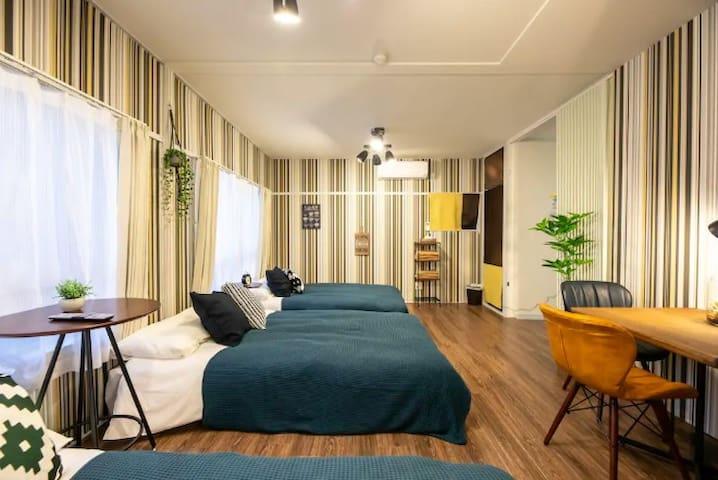 Umeda North big room Namba 9mins USJ 8mins 4A