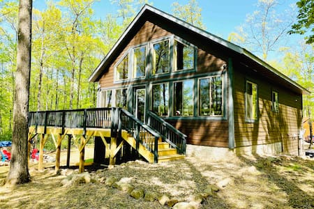 BRAND NEW Lakeside Chalet!