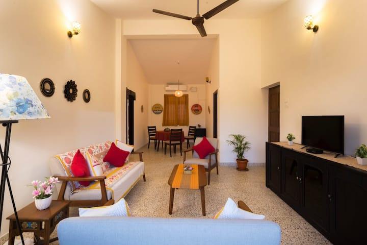 Luxurious pool🌊 facing 3bhk flat at Calangute.🏝