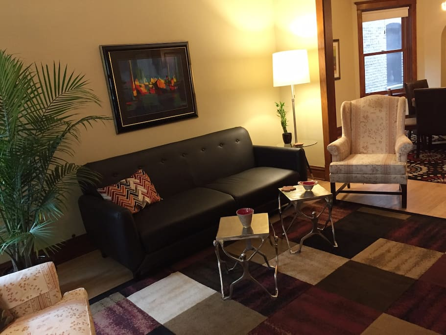 Deluxe guest home lakeview wrigleyville 3bd 2ba 4 bedroom apartments lakeview chicago
