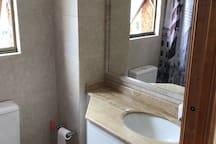Baño pieza en suite