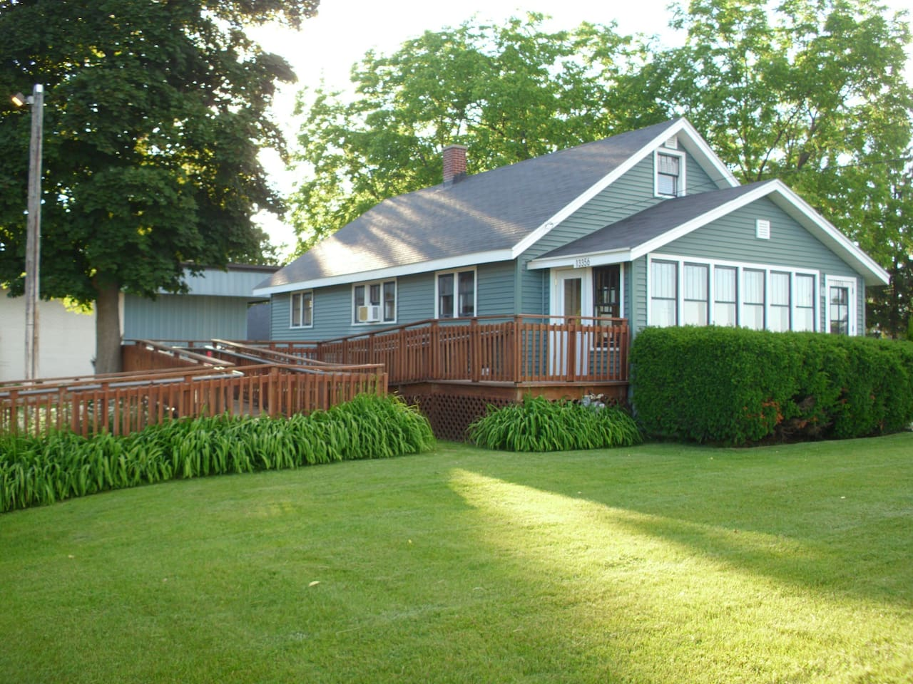 SLEEPS 8, TRAVERSE CITY 5 Minutes to Downtown - Houses for Rent in ...