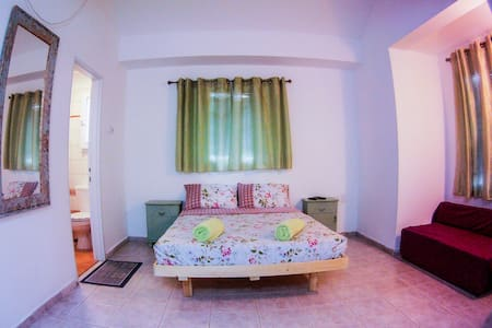 SEAMOR guesthouse-private room in a shared vila - ไอลัต