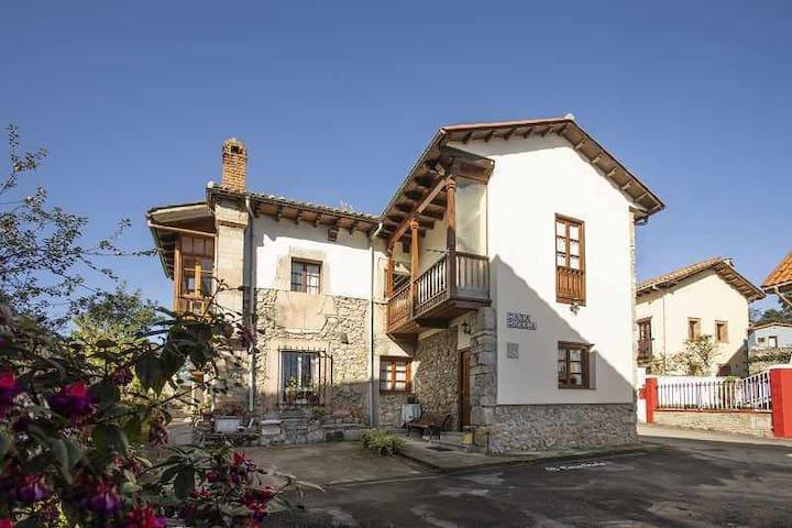 Casa de Aldea Güela