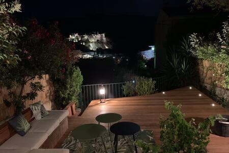 Terrasse du pin penché de la rade
