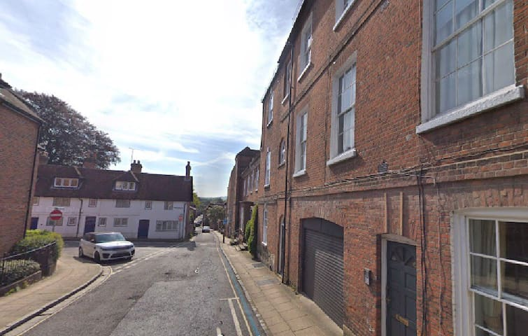 Cosy Apartment near Winchester Cathedral