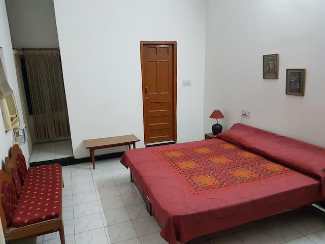 Aananda Bed & Breakfast Room 2