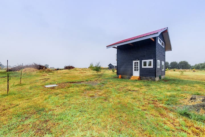 Cozy cabin with balcony and beautiful views of the nature in quiet location!