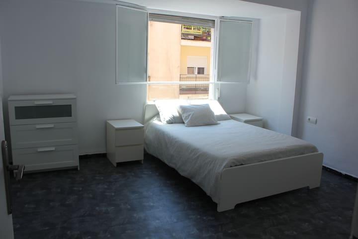 habitación  con aseo privado