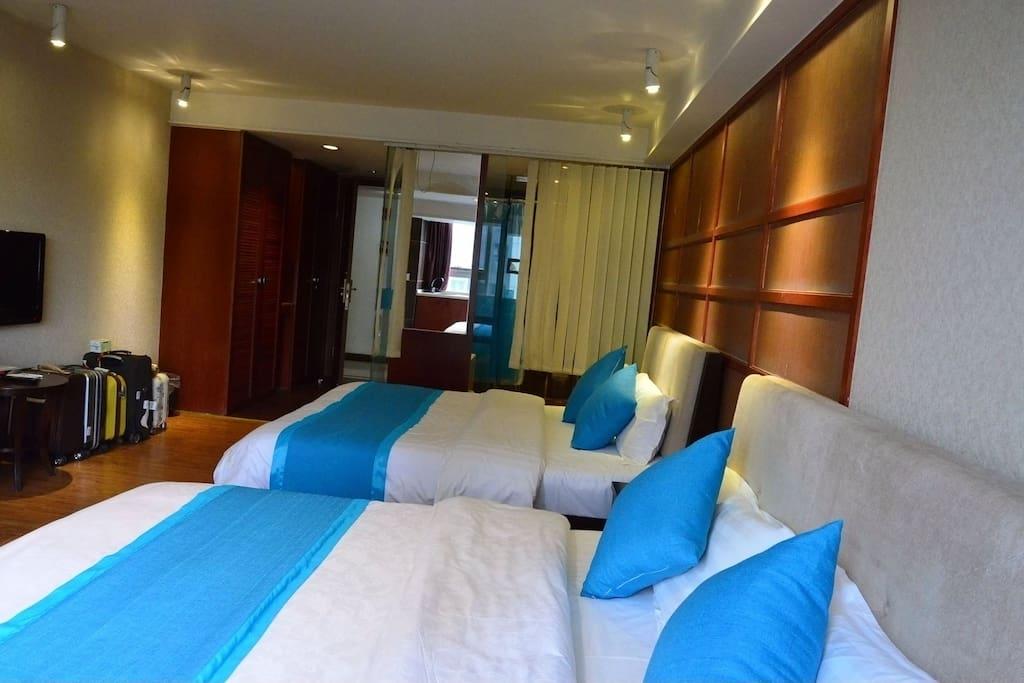 两张1.8米大床