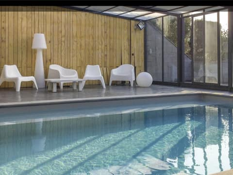 Maison en Ardennes (piscine intérieure chauffée.)