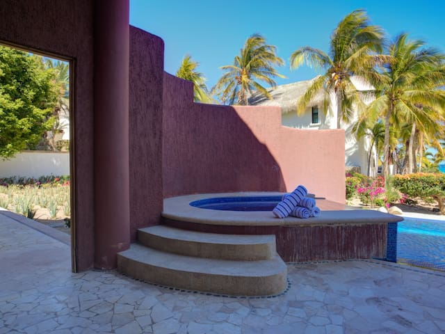 Access to Jacuzzi