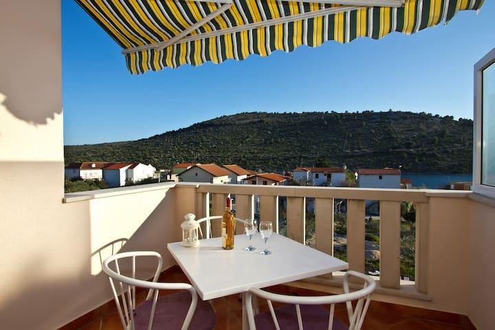 2 – Spacious studio with big terrace sea view - Podglavica - Lägenhet