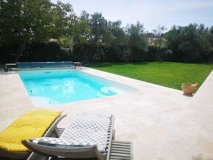 Cairanne: Villa moderne avec piscine