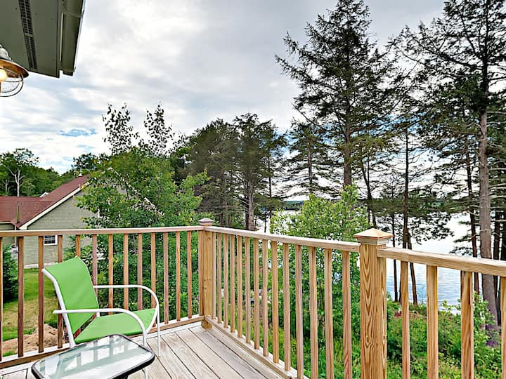 New Condo on Sheepscot River with Water-View Deck