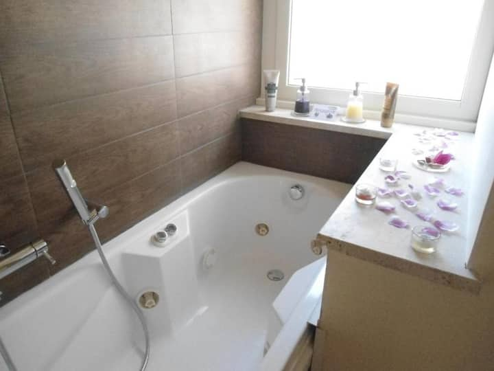 private bathroom with vasca spa idromesaggio