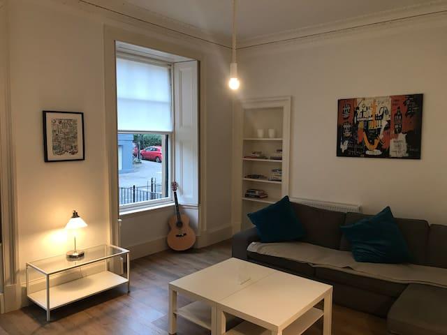 Gallus Garnethill, gfloor flat, very central, wifi