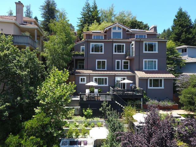 Exclusive Claremont Hills Home & Garden