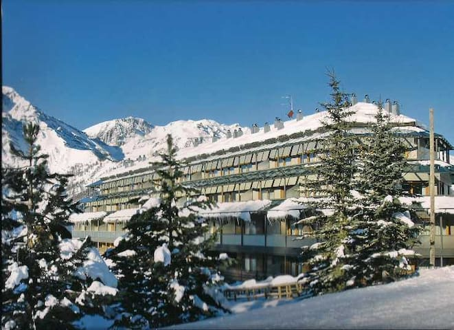 Cosy new flat on the ski slopes! - San Sicario Alto - อพาร์ทเมนท์