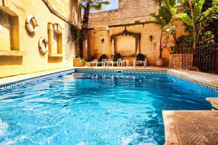 Serenity Traditional Gozo Farmhouse - San Katald - Hus