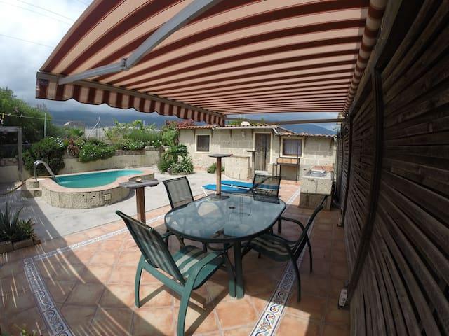 Casa del Sol in Yphys Villa - Güímar - Hus